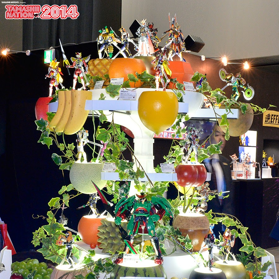 Tamashii Nations 2014 Kamen Rider Gaim Display
