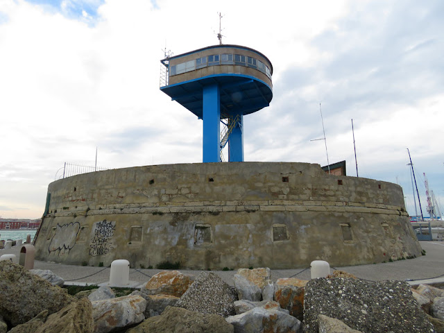 Forte di Punta (Fort of the Point), tower of the Avvisatore Marittimo (Maritime Warnings service), port of Livorno