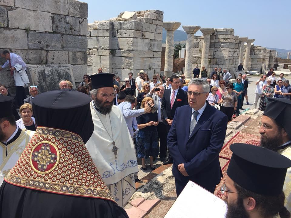 Άρχων Ακτουάριος της Μεγάλης του Χριστού Εκκλησίας της Κωνσταντινουπόλεως ο  καθηγητής ιατρικής Κώστας Τρομπούκης b84690b5c01