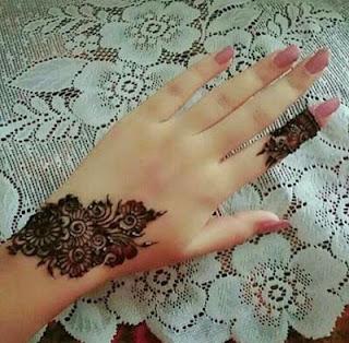 Left hand mehndi