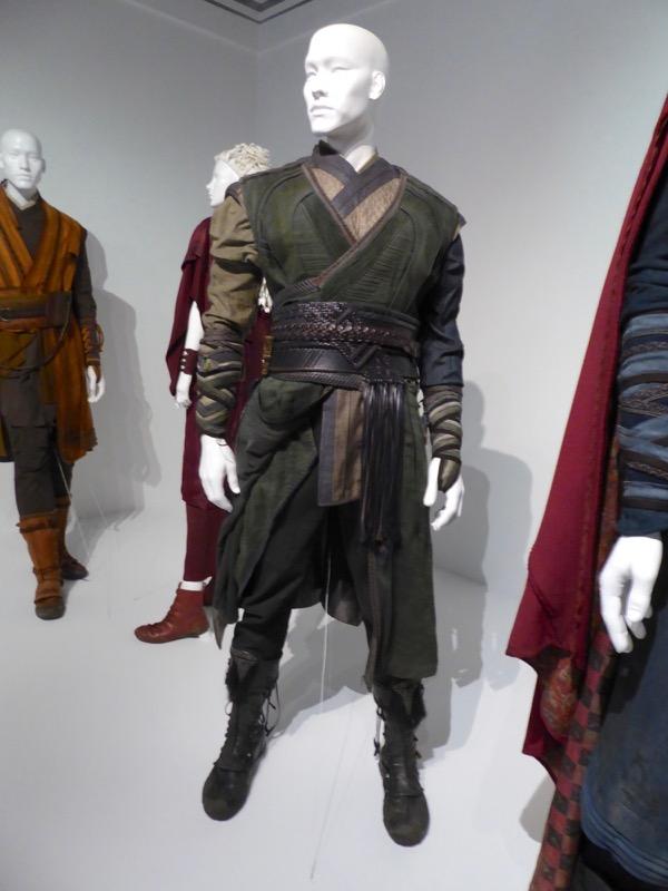 Chiwetel Ejiofor Doctor Strange Mordo film costume