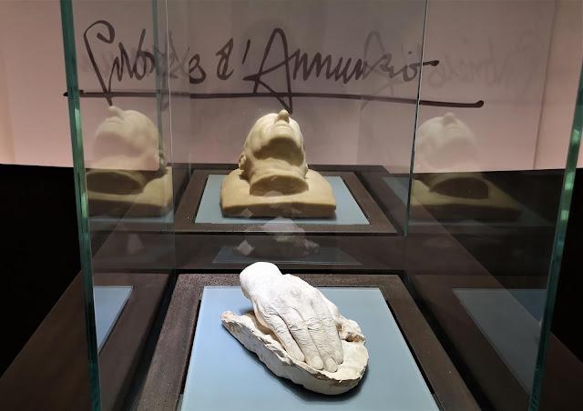 I calchi della testa e della mano di Gabriele D'Annunzio conservati nel Museo