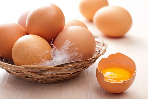 Quả trứng gà thần thánh giúp trị nám vô cùng tốt