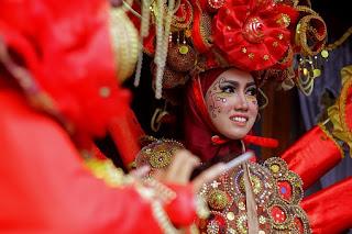 Cara Menyikapi Keragaman Suku Bangsa dan Budaya di Indonesia