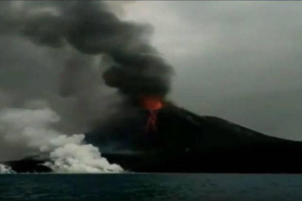 Tak Hanya Gunung Soputan, Gunung Anak Krakatau Meletus 156 Kali Dalam Sehari