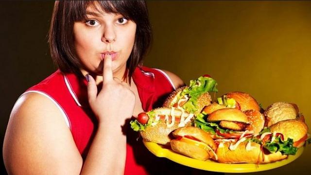 3 Makanan Yang Merangsang Nafsu Makan Gak Cocok Buat Kamu Yang Lagi Diet