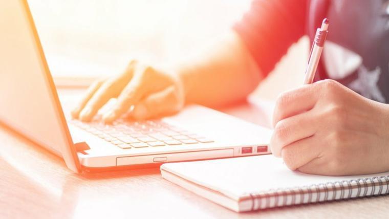 Coursera oferece de cursos a graduações totalmente online com inscrição gratuitas
