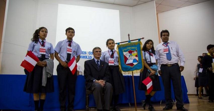 Nobel de Química 2015 se reunió con escolares de El Porvenir - Trujillo