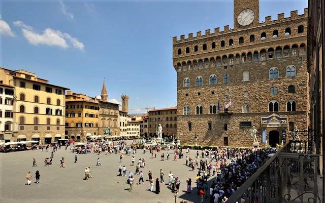 Praça Senhora em Florença