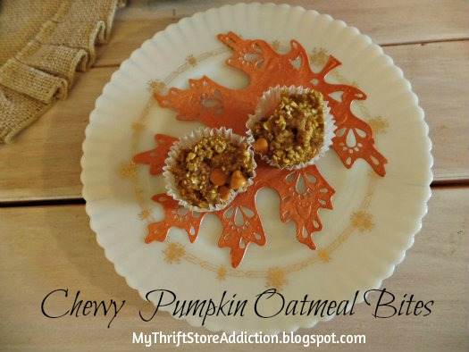 Chewy Pumpkin Oatmeal Bites mythrifstoreaddiction.blogspot.com Pumpkin oatmeal bites ~ enjoy!