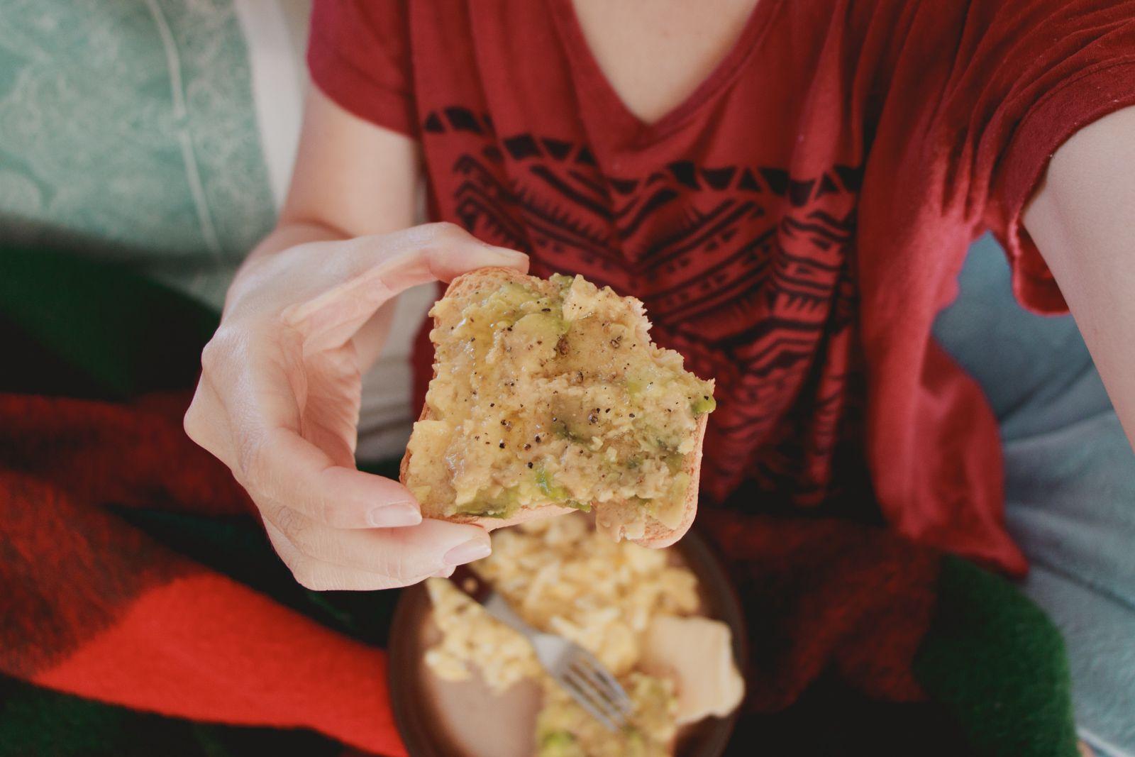 torradas e avocado Sexta-feira santa e páscoa | RESUMINHO