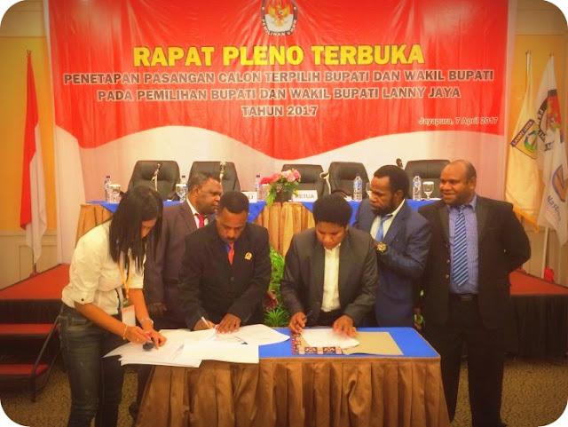 MK Sahkan Befa Yigibalom dan Yemis Kogoya Sebagai Pemenang Pilkada Lanny Jaya