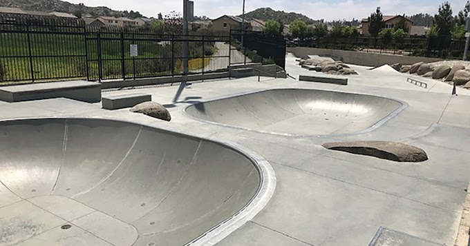 Pin By Jessie Bautista On Urban Skateparks Skate Park Urban