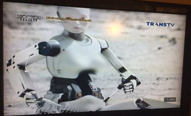 Parah! Hanya di Indonesia, Dada Robot Kena Sensor. Haruskah?