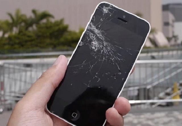 Dịch vụ thay màn hình iPhone SE lấy ngay
