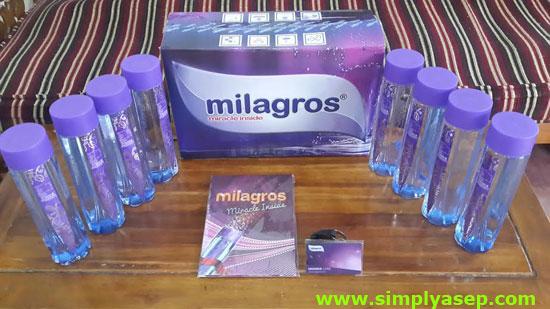 Harga  1 dus Rp.350.000,- maka anda akan menerima produk 12 botol dalam 1 dus tersebut juga sebuah Buku dan Kartu Garansi berwarna Ungu.  Foto Asep Haryono