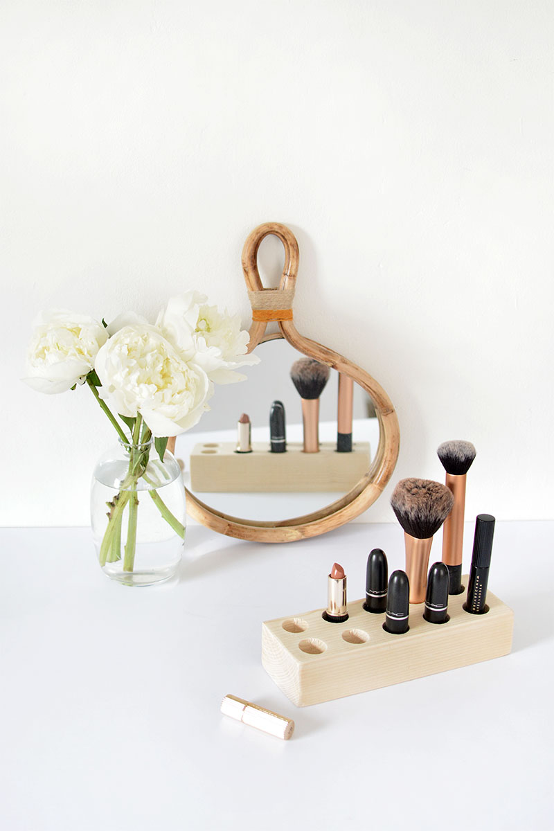 make up storage DIY