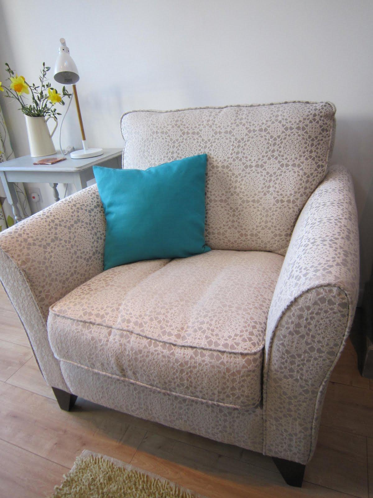 Vintage Tea Time: A nice big comfy chair.......