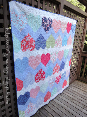 Hearts Full quilt front side view