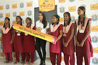 Actress Priya Anand in T Shirt with Students of Shiksha Movement Events 63.jpg