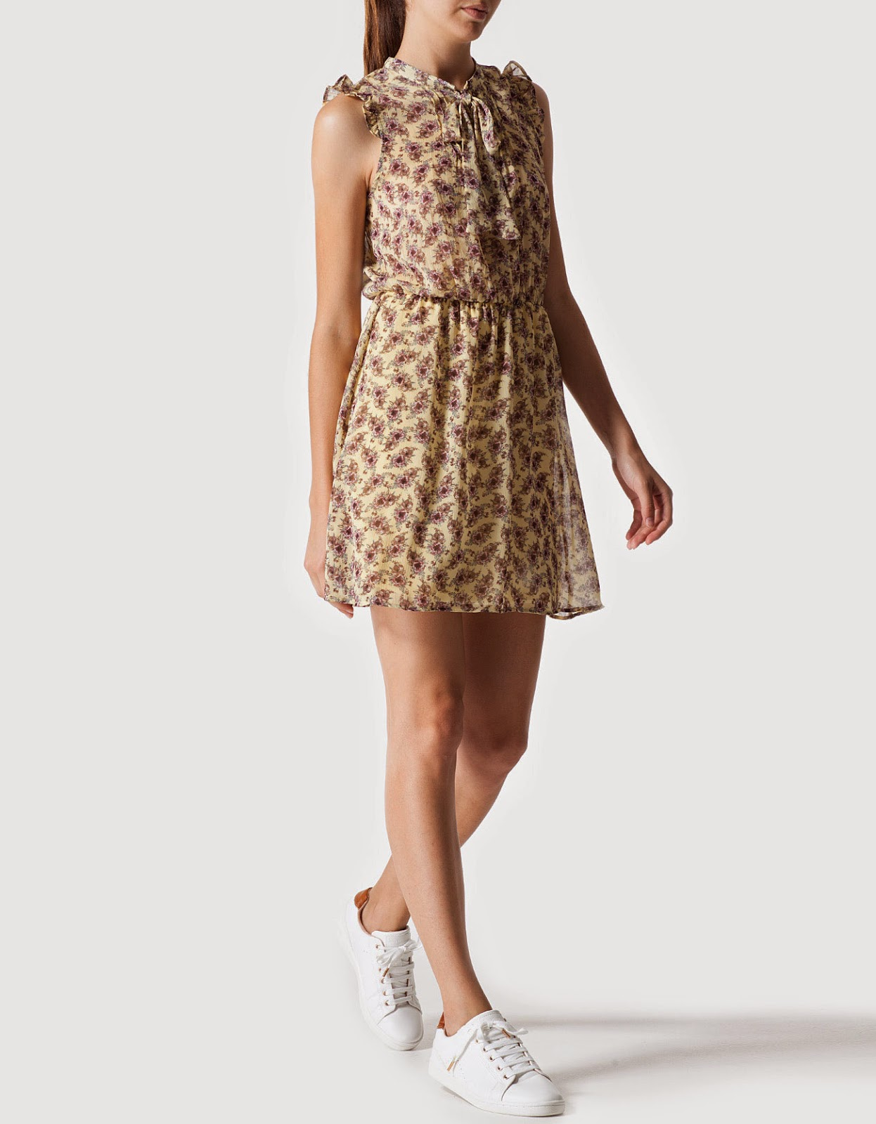 http://www.stradivarius.com/es/es/ropa/vestidos-c1267005p4394045.html?categoryNav=1267005&colorId=442
