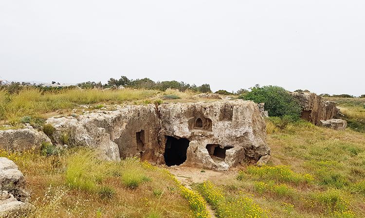 Site archéologique : tombe