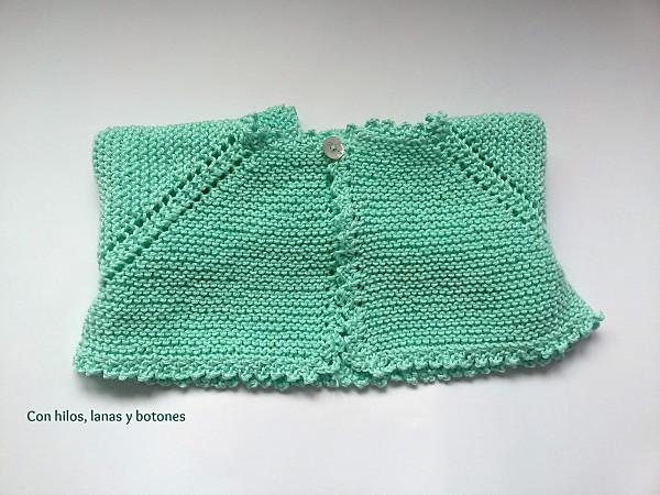 Con hilos, lanas y botones: DIY cómo hacer una chaqueta a punto bobo para bebé paso a paso (patrón gratis)