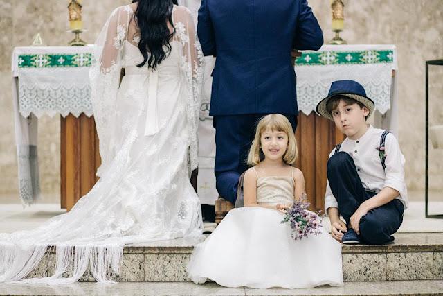 casamento real, sandra e renato, entrada da dama, entrada do pajem, dama, pajem, altar
