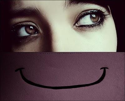 Resultado de imagem para sorrisos falsos