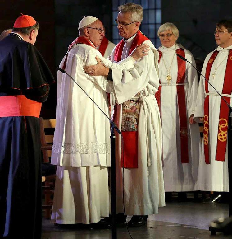 Papa Francisco foi a Lund, Suécia, para abrir os festejos pelos 500 anos da revolta de Lutero. O gesto caiu no vazio