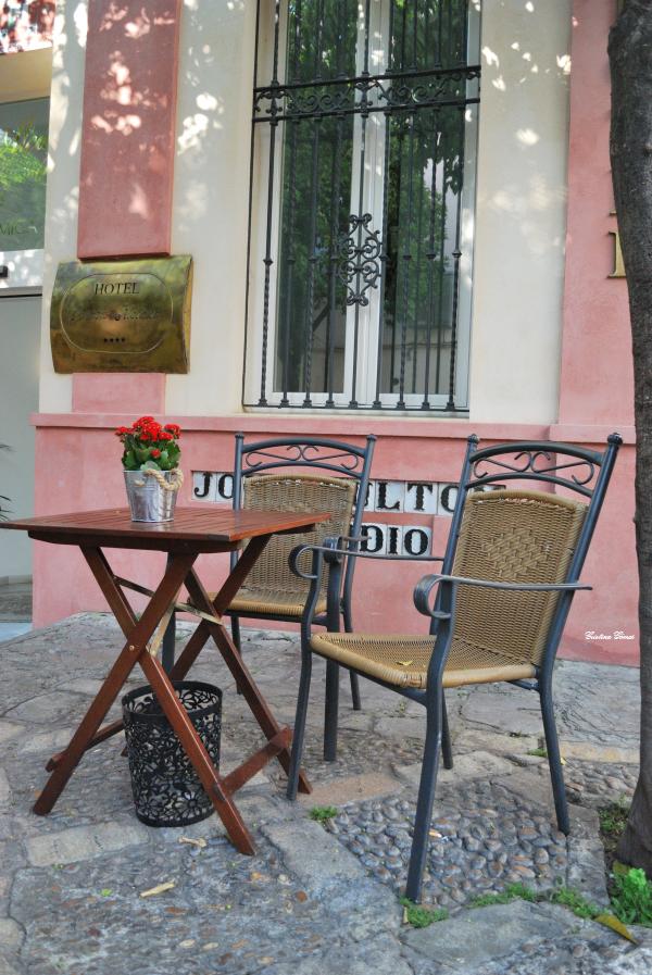 barrio santa cruz seville spain