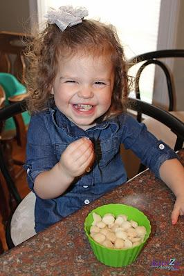 Homemade Yogurt Melts, Yogurt Melts, DIY yogurt Melts, Frozen Yogurt melts, Toddler Snack