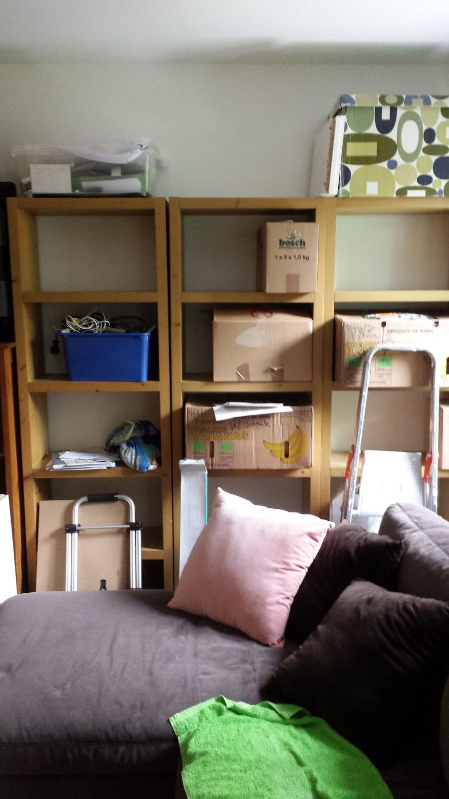 Clarice39 Bei Hempels Unterm Sofa