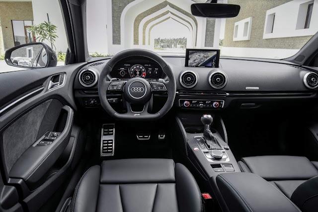 Audi RS3 Sportback 2018 - interior