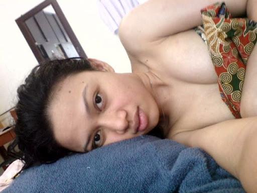 Sara Gilbert Photos Nude