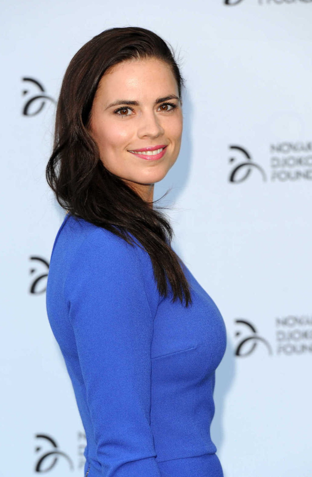 Hayley Atwell In A Blue Dress For The Novak Djokovic Gala In London High Resolution Pictures Hayley atwell and tom cruise on the set of mission impossible 7 in rome 11/26/2020. high resolution pictures blogger