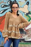 Pulover maro scurt casual cu croi larg din material tricotat
