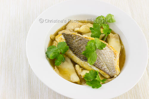 煎魚柳配蠔菇清湯 Pan-Fried Snapper and Oyster Mushroom in Soup02