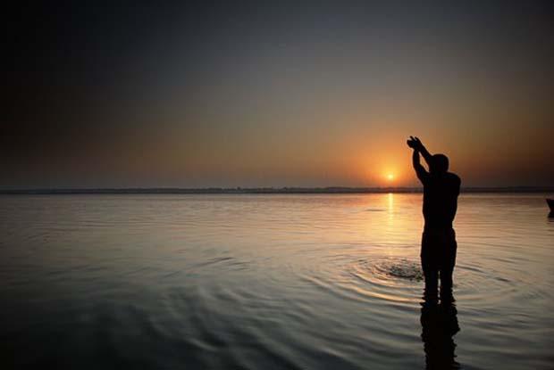 गंगा में विसर्जित अस्थियां आखिर जाती कहां हैं.? - Indian Culture Blog I Vishwa Guru Bharat Blog I