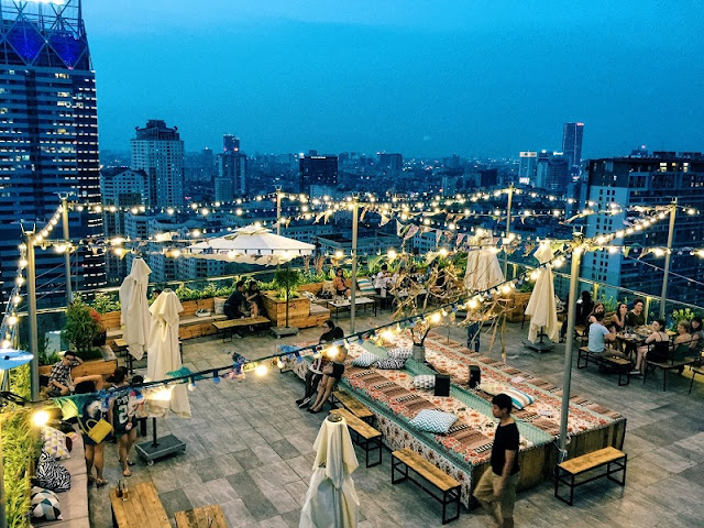 Trill Rooftop Cafe – Place to see Hanoi from above 1