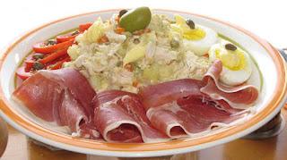 Las ensaladas rusa son una deliciosa variación de ensalada que ha satisfecho las exigencias de muchas personas alrededor del mundo, especialmente en distintos países de Europa, Asia y América.