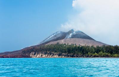 Vulcão Anak Krakatoa - Indonésia