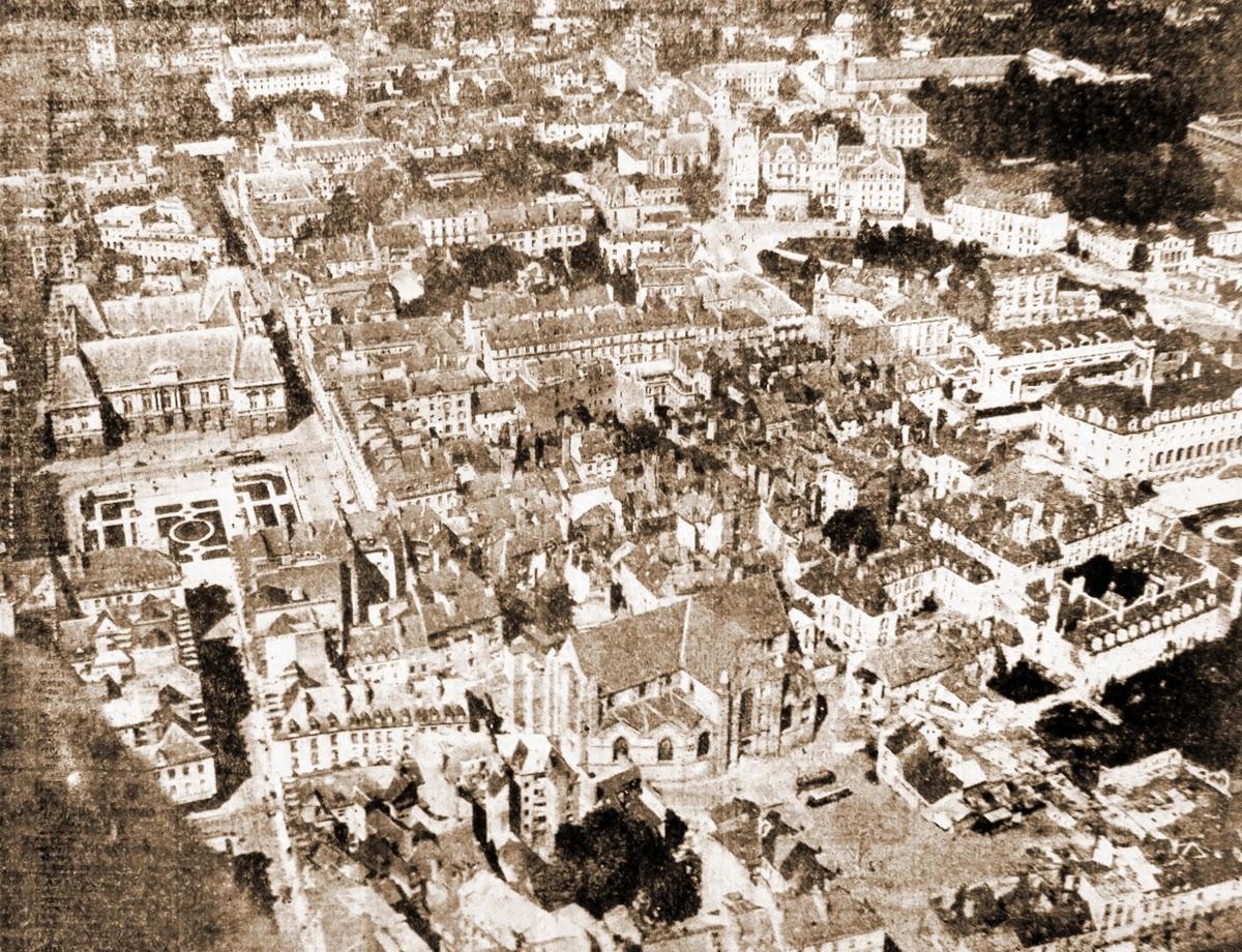 Photographie aérienne du quartier Saint-Germain réalisée en mai 1949
