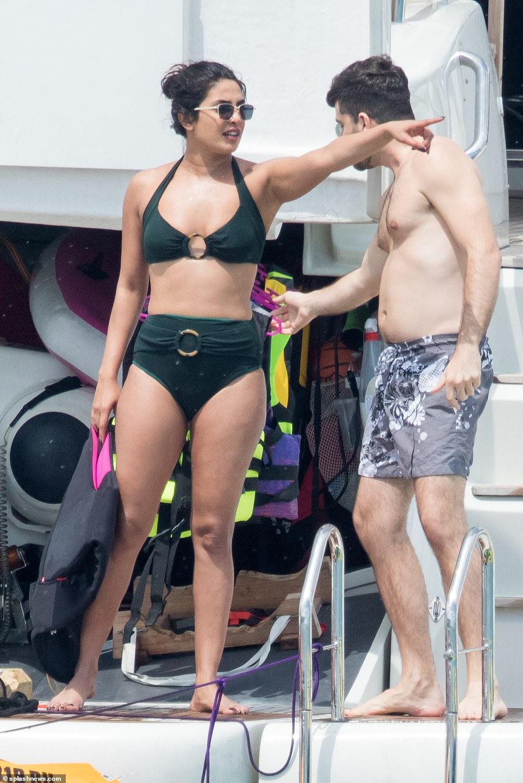 Priyanka Chopra strips to bikini on Miami vacation