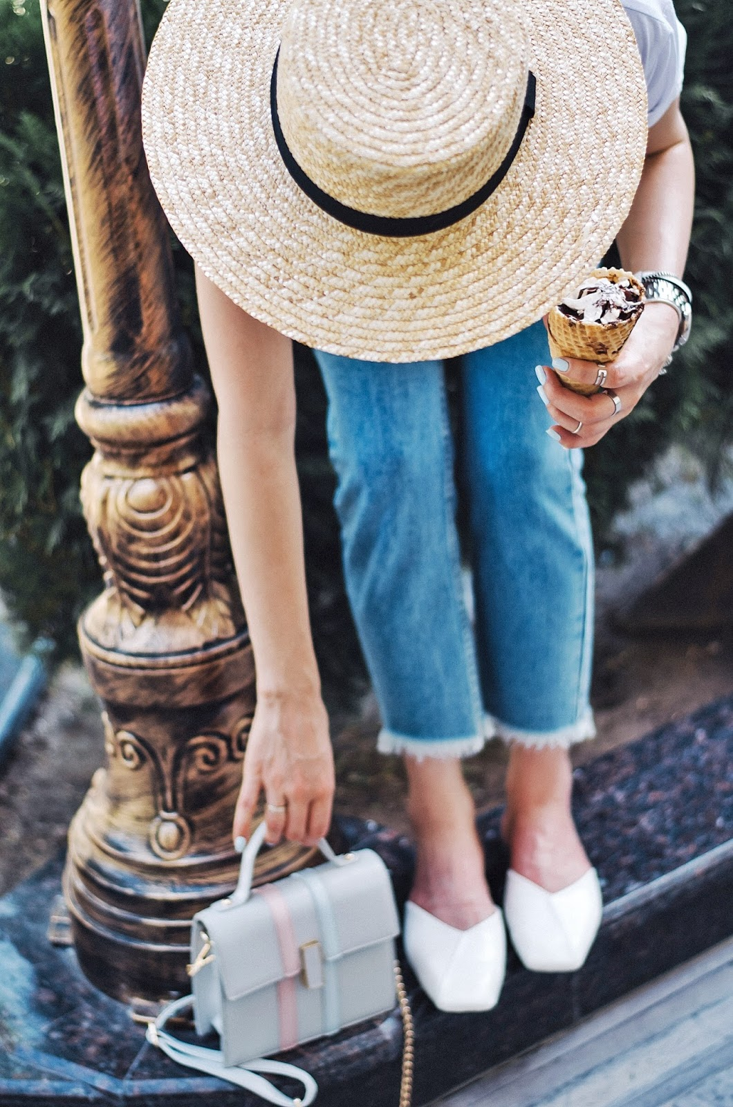 diyorasnotes diyora beta fashion blogger style outfitoftheday lookoftheday artboxuz denim casual look straw hat asos