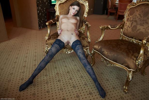 Morena linda e sensual nua
