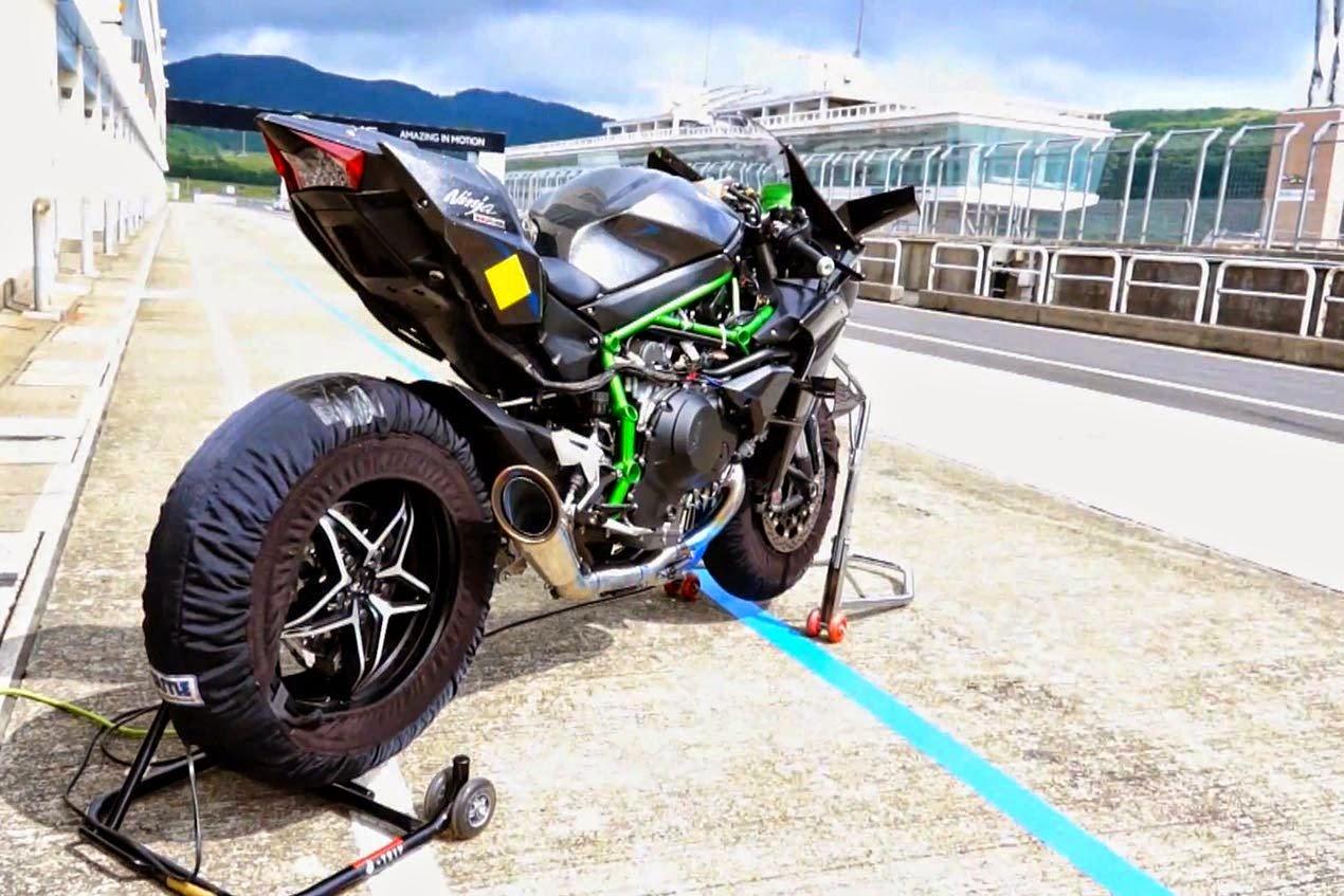 Pandu Uji Kawasaki Ninja H2R 300bhp Di Litar