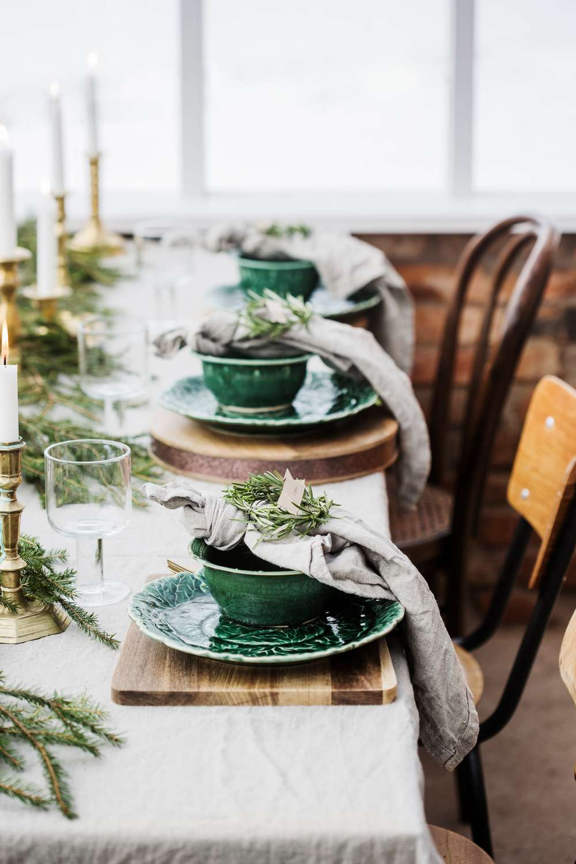 Noël 2016 / inspirations #5 / une table dressée dans une serre ...