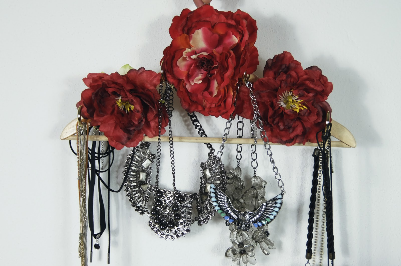 diy floral necklace jewelry hanger holder