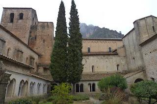 Claustro de la Abadía de Gellone.